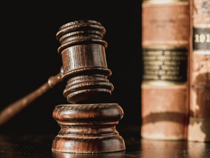 judge-gavel-and-law-books